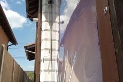 Folia de PVC se monteaza usor si se prinde in capse